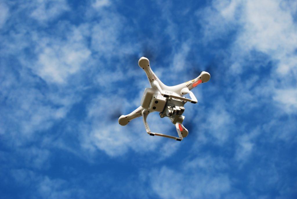 Tecnologia-controllo-mentale-droni-benessere-tecnologico-laura-fasano