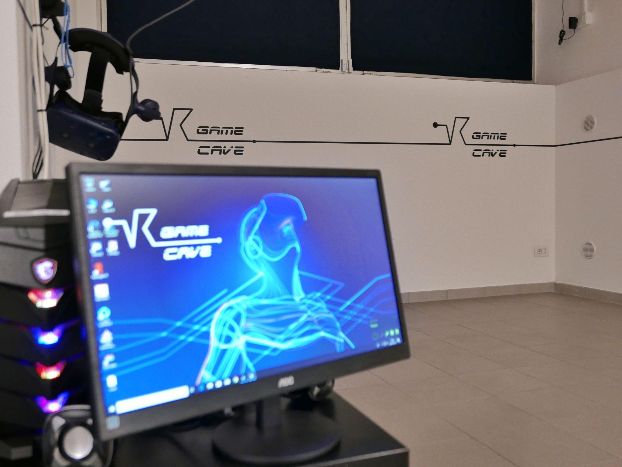 vr game cave realtà virtuale milano benessere tecnologico psicologia laura fasano sala giochi simulatore