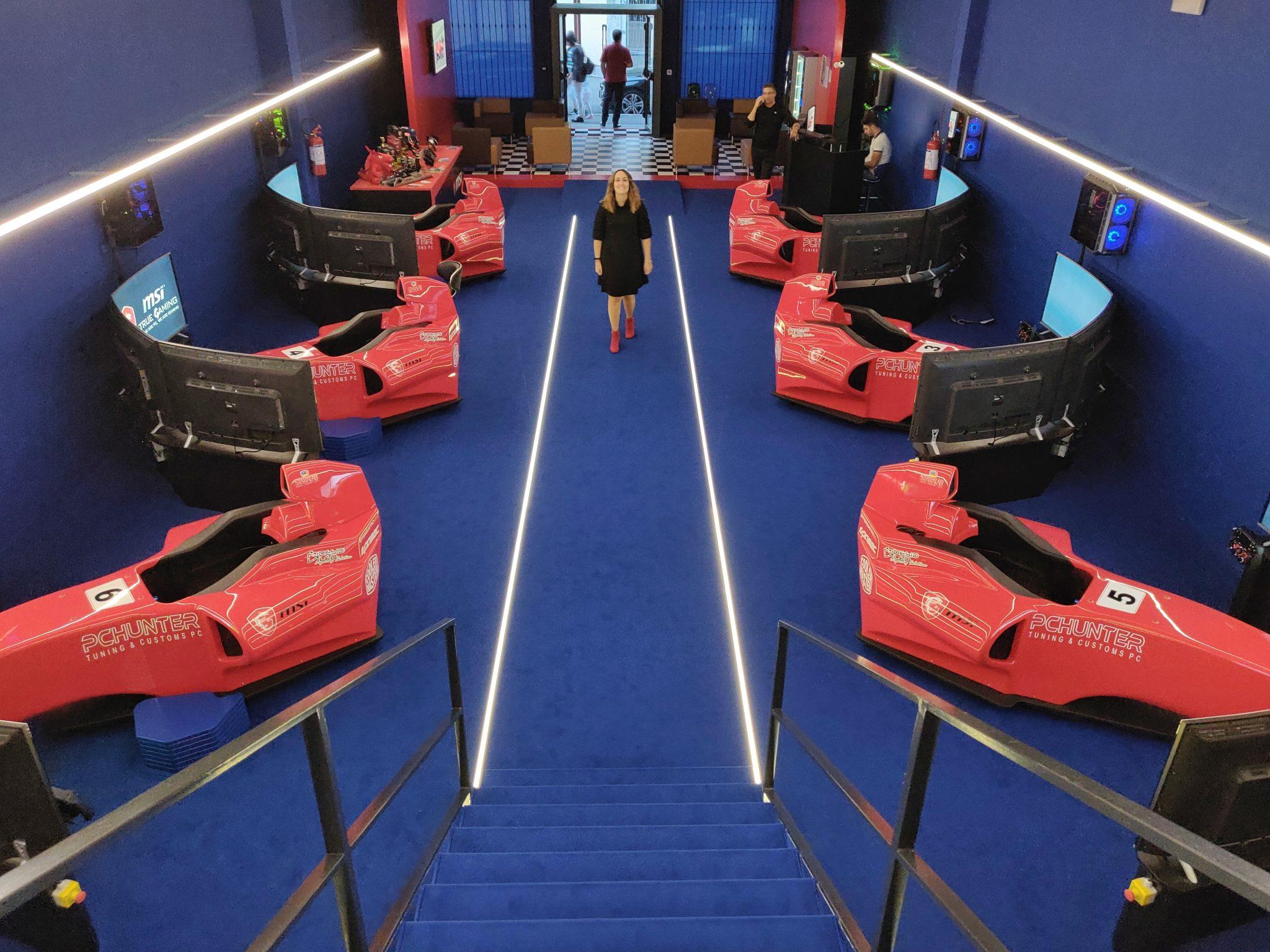 mcsim simulatore virtuale realtà f1 formula uno corsa pilota monza circuito benessere tecnologico laura fasano