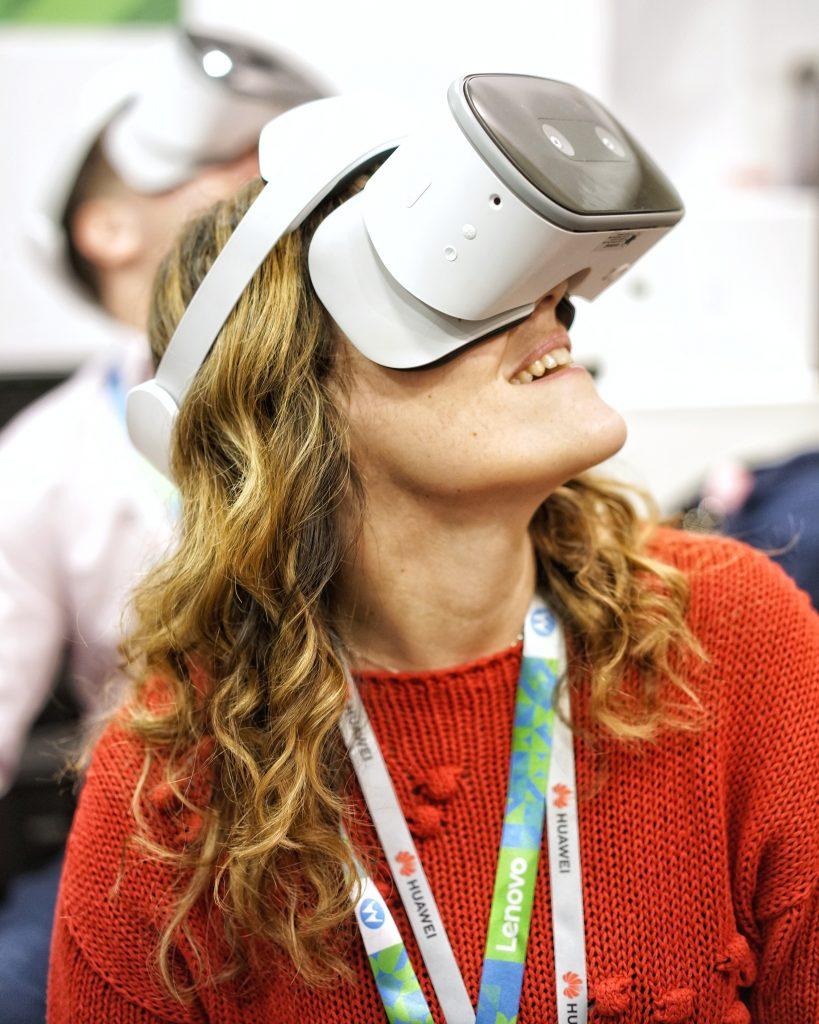 Mobile world congress lenovo barcellona laura fasano tecnolaura benessere tecnologico realtà virtuale vr lenovo mirage