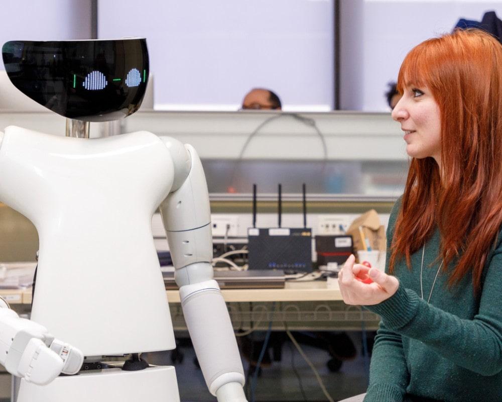 robotica robot umanoide tecnolaura benessere tecnologico laura fasano interazione