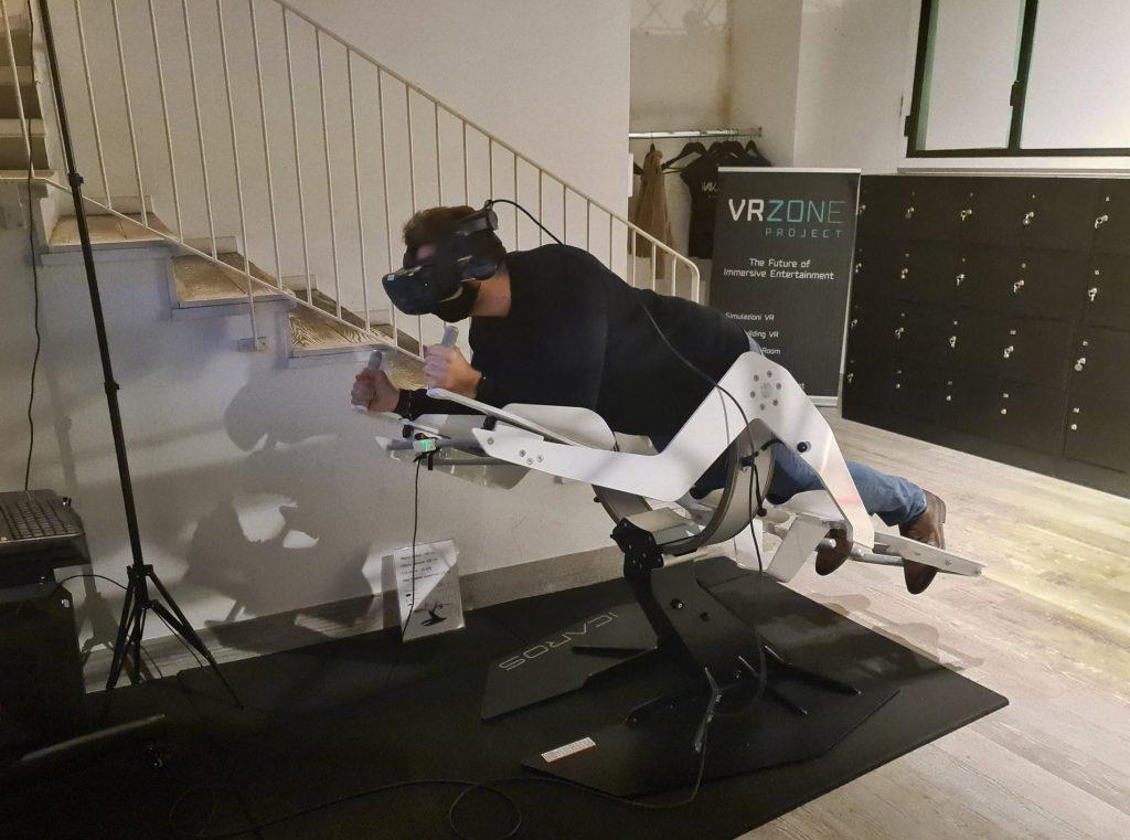 provare realtà virtuale milano sala giochi simulatore guida escape room prince of persia assassins creed horror benessere tecnologico tecnolaura volo