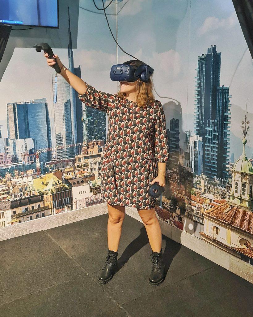 provare realtà virtuale milano sala giochi simulatore guida volo escape room prince of persia assassins creed horror benessere tecnologico tecnolaura